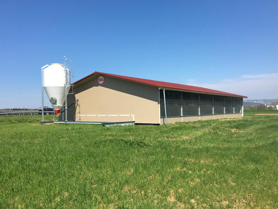 poultry houses - commercial free range poultry housing - poultry shed builders - poultry housing systems-1